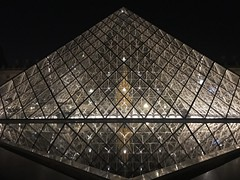 Louvre (boncey) Tags: iphone7plus iphone camera:model=iphone7plus photodb:id=28234 paris france city night architecture louvre