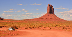 Visiting Monument Valley (M McBey) Tags: monumentvalley arizona utah usa red scenic westerns movies track dirtroad hill