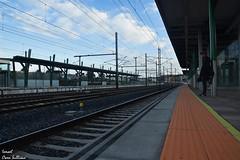 Estación de tren de Vilagarcía (Ismael Owen Sullivan) Tags: nikon d5300 digital art foto fotografia españa galicia europa europe spain nature photography estacion tren ciudad vilagarcia hurbano sky clouds nubes