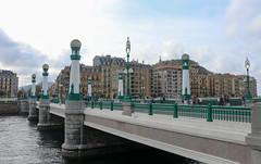 Setembre_0007 (Joanbrebo) Tags: puentedelkursaal pont puente bridge donostia guipúzcoa españa es canoneos80d eosd efs1855mmf3556isstm autofocus contactgroups