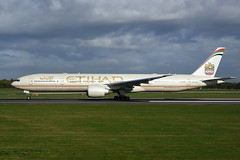 A6-ETQ Boeing B777-3FX(ER)  EGCC 24-09-18 (MarkP51) Tags: a6etq boeing b7773fxer b777 etihadairways ey etd manchester ringway airport man egcc england airliner airplane plane image markp51 nikon d7200 aviationphotography nikon24120f4vr