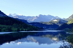 Lungerersee Switzerland panoramic mountain view early morning (roli_b) Tags: lungerersee lungern see lake lago water spiegelung light magic moment sunrise mountains panorama panoramic view switzerland schweiz suisse suiza sivzzera landscape nature 2018