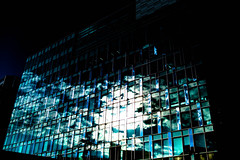 Glass sky (Smoking room) Tags: sky leica summilux35mm glass reflection 博多 中洲 ビル 空 雲 日差し