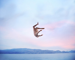 Free falling (Lichon photography) Tags: lichonphotography surreal surrealism conceptual concept conceptualidea canada canadian kelowna britishcolumbia