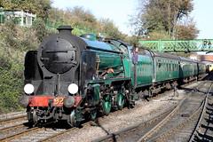 925 SR Schools Class 4-4-0 'Cheltenham' (Roger Wasley) Tags: 925 southern railway schools class 440 cheltenham ropley midhantsrailway station hampshire steam locomotive gala watercressline autumn