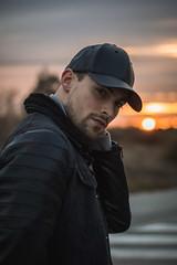 Retrato a contraluz (Fotografías_Carlos) Tags: portrait men sunset sun canon colours retrato sol atardecer definición