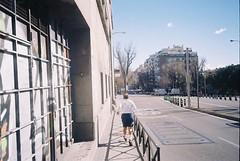 runner 🏃♂️ (Manu Higueras) Tags: 35mm 35mmfilm 35mmphotography believeinfilm keepfilmalive filmphotography filmisnotdead filmfeed filmphotographer filmphoto filmcamera filmcommunity filmforever madrid kodak olympusmju run