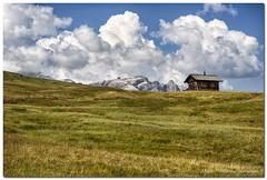 "Alta Badia - Pralongià (""Deca"") Tags: dolomiti dolomites montagna mountain altabadia pralongià nuvole clouds agosto august estate summer prati lawns"