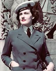 Uniform (bof352000) Tags: woman tie necktie suit shirt fashion businesswoman elegance class strict femme cravate costume chemise mode affaire
