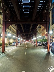 Y esas calles de Shicago (dr_cooke) Tags: chicago train iron steel street night
