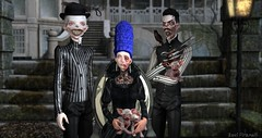 The Family Portrait (roxi firanelli) Tags: blackbantam littlebones arcade gacha secondlife hotdog davidheather heartsdalejewellery deadwool remarkableoblivion halloween