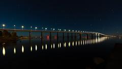 Lights (Explore) (Cajofavi) Tags: fs181021 bro bridge fotosondag ölandsbron kalmar sweden svinö water stars sky reflection lights