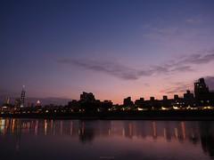 P1055557_LR (enno7898) Tags: panasonic lumix lumixg9 dcg9 1240mm f28 nightview riverbank river reflection cityscape sky twilight dusk sunset landscape