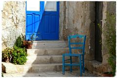 ... (Augusta Onida) Tags: sicilia sicily marzamemi blu blue sedia chair porta door italia italy scalini step leicam detail dettaglio