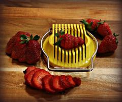 2018 Sydney: Sliced Strawberries (dominotic) Tags: 2018 food fruit strawberry strawberries slicedstrawberry eggslicer red yellow yᑌᗰᗰy sydney australia