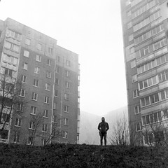 PHSQUAT3876021 (newmandrew_online) Tags: filmisnotdead 120mm film120 mamiya mamiyac220 bw пленка 6x6 minsk belarus
