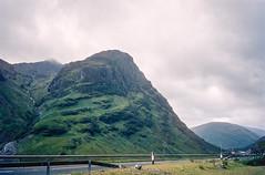 158-073.jpg (johnrellis) Tags: unitedkingdom nocode scotland themeetingofthethreewaters places ellisfamilyslides ballachulish gb 96 28 apr kodachromewhiteplastic