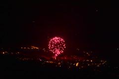 DSC_6703 (griecocathy) Tags: paysage feu artifice nuit éclairage lumière fumer ville rose rouge jaune orange noir