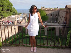 The young woman in the Castle of Montjuic. (habanera19) Tags: glamour modelo fashion castillodemontjuic retrato barcelona beautiful cataluña people nature españa woman