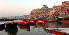 varanasi morning panorama (kexi) Tags: varanasi benares india asia morning view panorama boats people many canon february 2017 water river ganga ganges reflection red instantfave ghats hccity