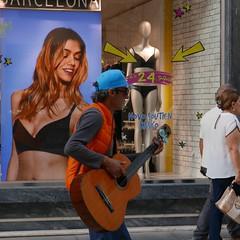Street (ROBERTO FANTINEL) Tags: street braga portugal 2018 leica dlux type109 rock star