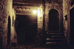La Porta (michele.palombi) Tags: porta night montefioralle greve chianti film 35mm analogic shot negativo colore
