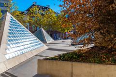 Basel, 1. November 2018 - Elisabethenkirche (karlheinz klingbeil) Tags: suisse pyramide glas schweiz dreieck switzerland stadt concrete beton city basel kantonbaselstadt ch